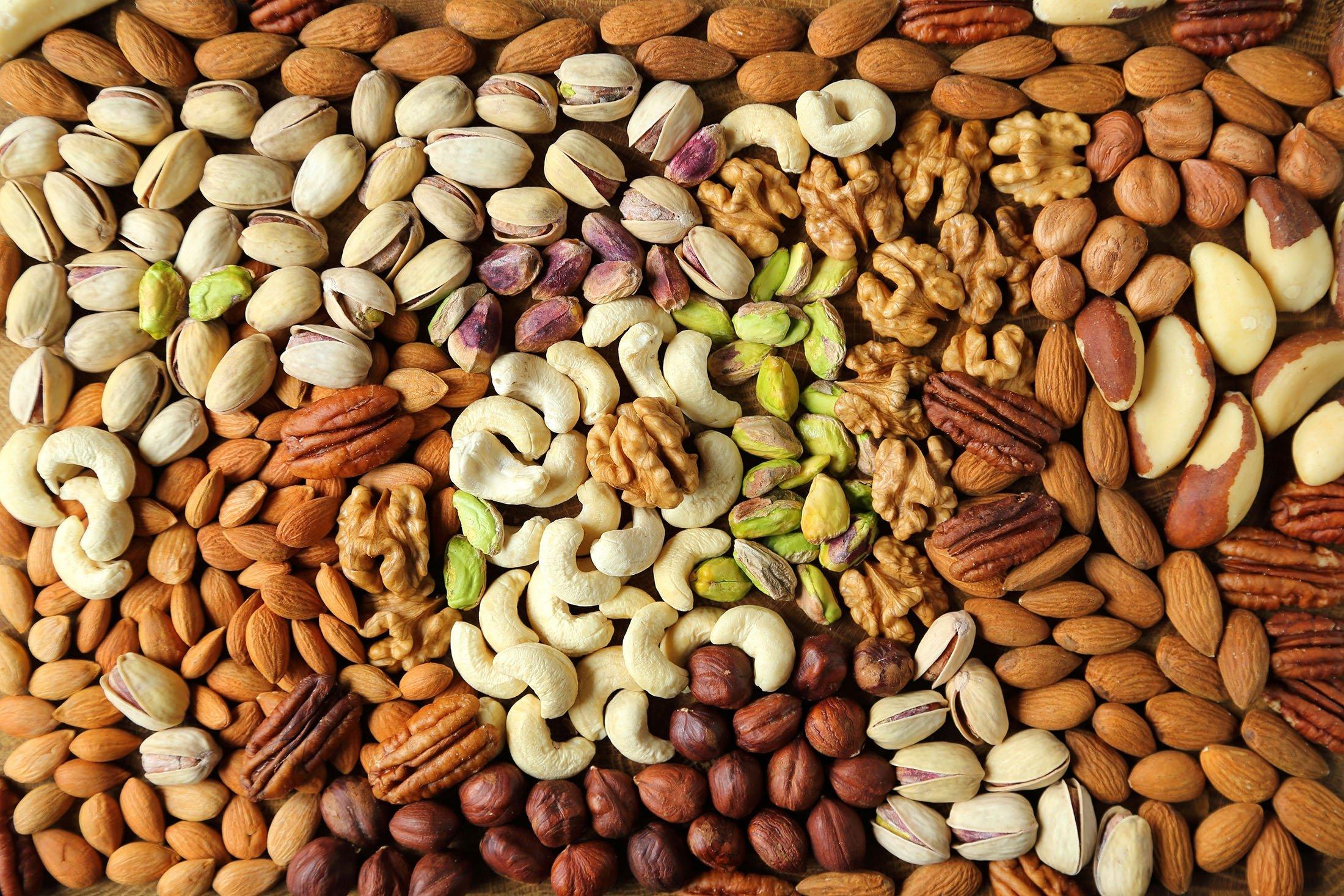 Kuruyemişler, zihinsel performansı artırmaya yardımcı olan E vitamini ve sağlıklı yağlar içerir. (Shutterstock Fotoğrafı)