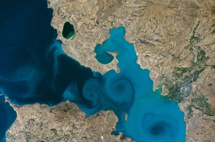 Van Zaferi: Van Gölü uzay fotoğrafı NASA yarışmasını kazandı