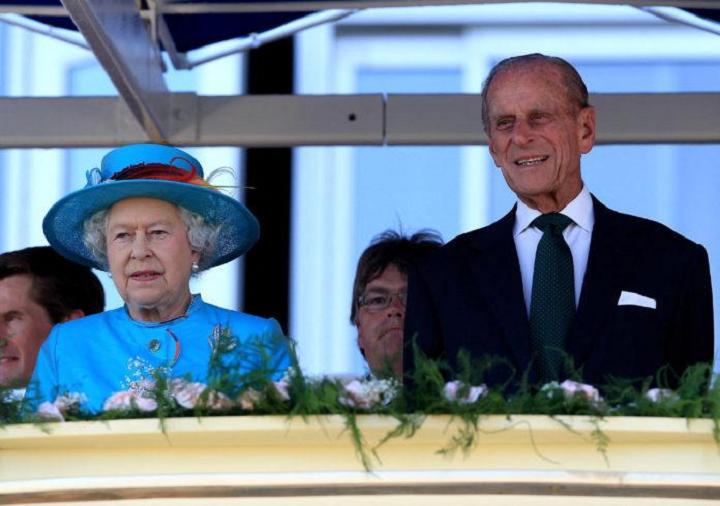 Elizabeth II, Prens Philip'in ölümünün ardından