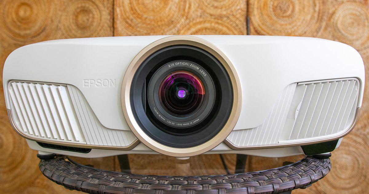 2021 için en iyi 4K projektörler Lg, Sony, Epson ve BenQ Ultra HD 4K projektörler karşılaştırması