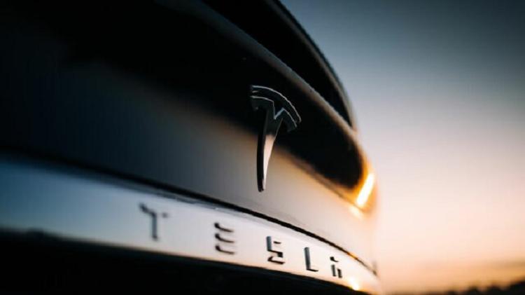 Tesla Hisse